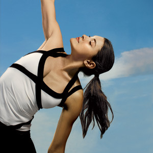 0904-woman-stretching